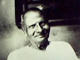 maharaj-smiling-2