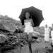 ramana-andando-guarda-chuva